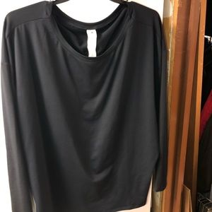 Fabletics black long sleeve shirt